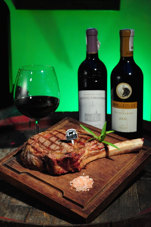 Steak & Wine